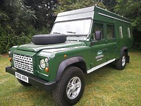 Click to see larger photo of Land Rover Defender 130 CAMPER 300 tdi LHD